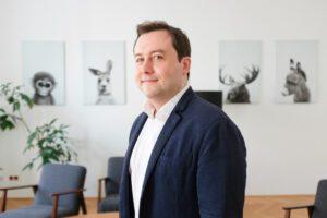 Andreas Ponikiewicz, VP of Global Sales at MOSTLY AI
